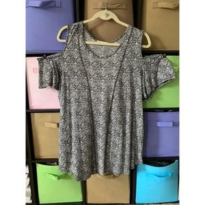 Pebble and Stone Could Shoulder Blouse